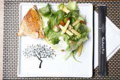 Grelhado com salada (salmão)